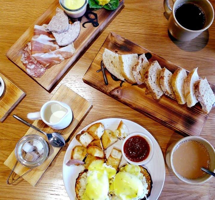 forage vancouver downtown listel hotel seafood restaurant brunch menu