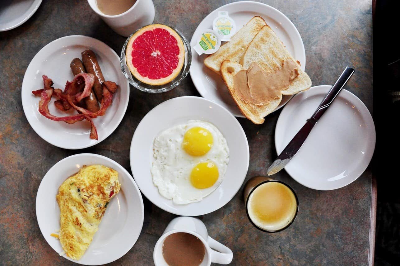 The Lakeside Cafe at Harrison Hot Springs Resort and Spa | Breakfast Buffet
