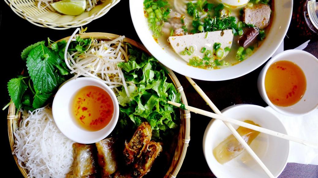Mr. Red Cafe Vietnamese Restaurant Hanoi Best Pho in Vancouver nomss.com