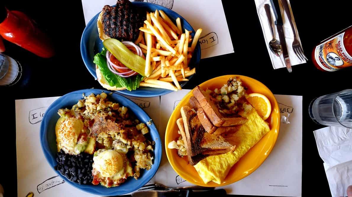 Sophies Cosmic Cafe Vancouver | Brunch Breakfast Kitsilano Diner