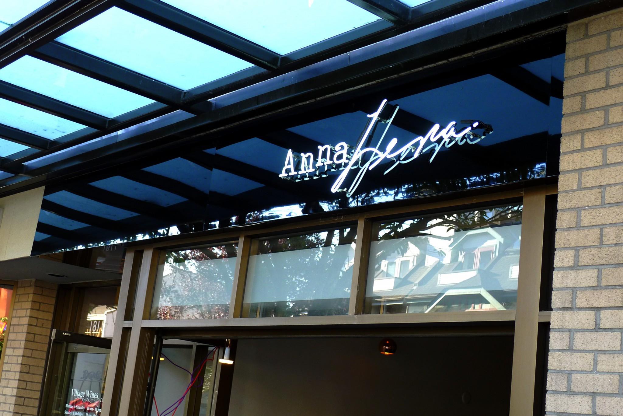 AnnaLena Vancouver Kitsilano Chef Mike Robbins Instanomss Nomss