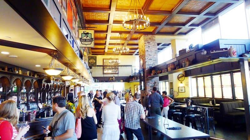 Dubh linn gate vancouver irish pub main terminal nomss for Bar food vancouver
