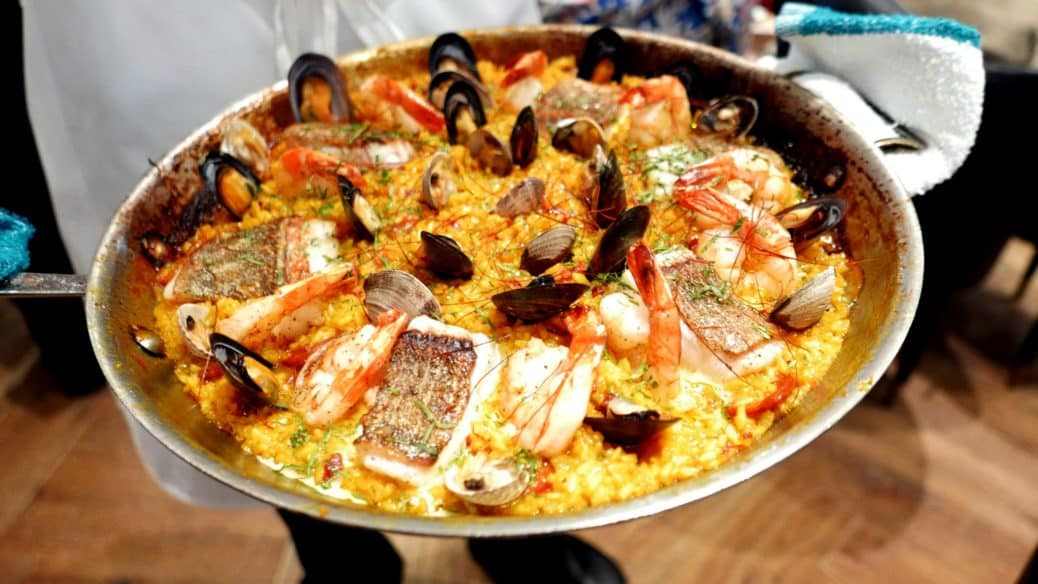 BOULEVARD KITCHEN OYSTER BAR SUNDAY SUPPER SERIES Spanish Paella Day Instanomss Nomss Food Photography Healthy Travel Lifestyle Canada