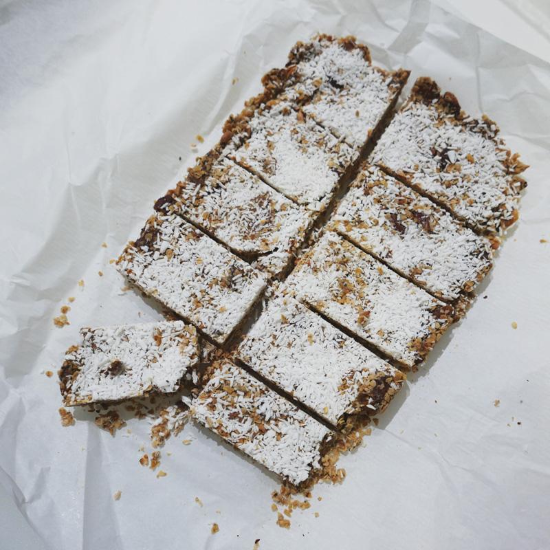 GRANOLA RAW BAR RECIPE SONGOFSTYLE NOMSS.COM FOOD BLOG
