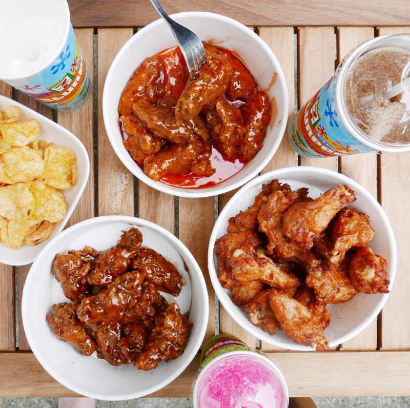 7-ELEVEN CHICKEN WINGS NATIONAL WINGS WEEKEND JULY 27-29 PUB STYLE WINGS OR HONEY GARLIC DRESSED 711 NOMSS.COM HEALTHY FOOD RECIPES #CHICKENWINGS #WINGS @7ELEVENCANADA#GETITDELIVERED #INSTANOMSS