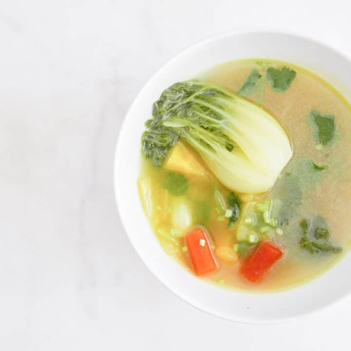 Anti-Inflammatory Vegan Soup #antiinflammatoryvegansoup #vegansouprecipes #souprecipes #coldflusoup #soupsforcold #instanomss