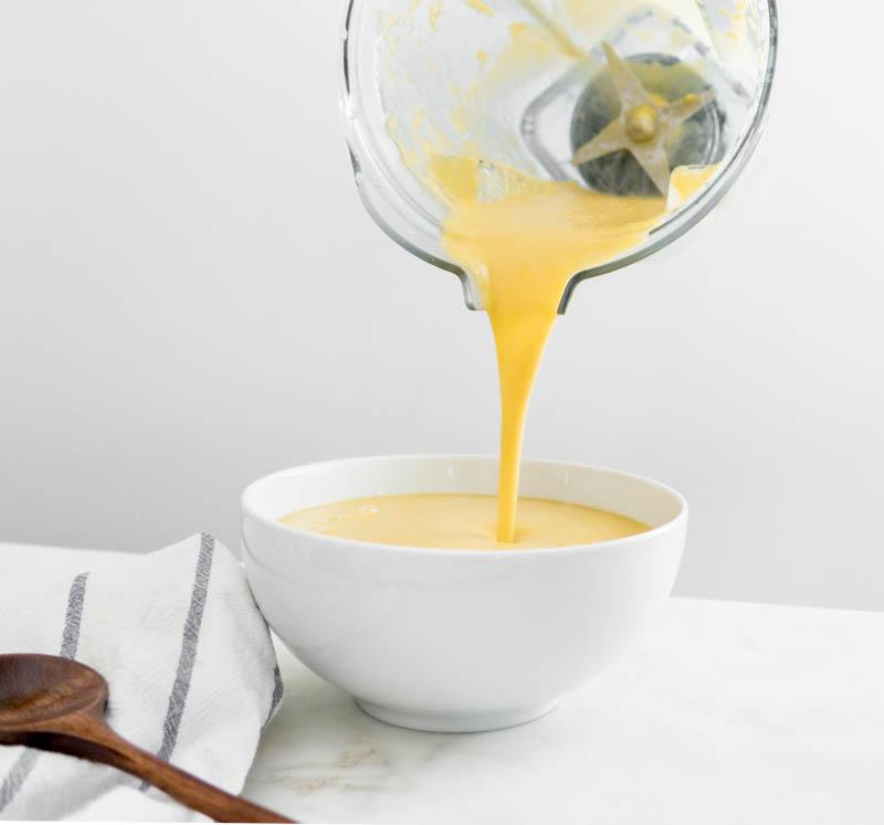 butternut soup vitamix pour